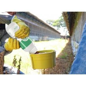 Armadilha e 5 Litros de Atrativo Orgânico para Controle Biológico de Moscas Domésticas, Varejeiras e do Estábulo - Target